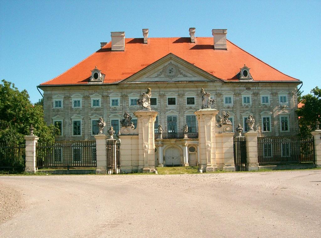 Slika 7: Dvorec  Dornava